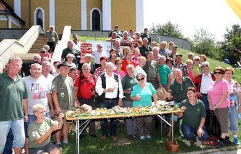 Poučna ekskurzija gobarjev na Gori Oljki