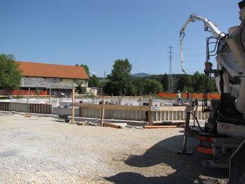 Gradnja poslovnega centra ALBA v obrtni coni v Arclinu