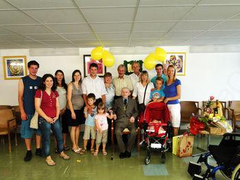 Klenim stoletnicam se je pridružil še stoletnik Stanislav Šuligoj
