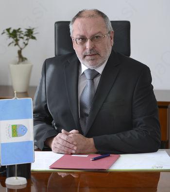 Župan izrazil nestrinjanje glede selitve lokacije poštnih storitev v Desklah