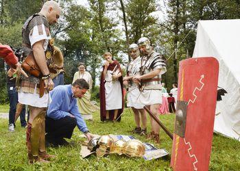 Predsednik Pahor med Rimljani na Vrhniki