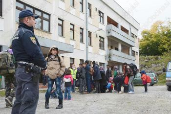 Začasni nastanitveni center za migrante ostaja v pripravljenosti