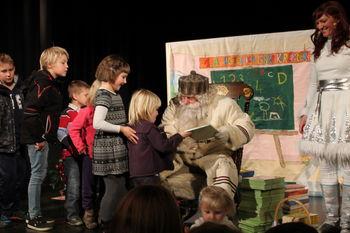 Dedek Mraz je obiskal otroke v Kobaridu