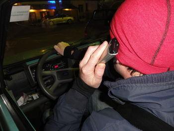 Nevarno telefoniranje med vožnjo