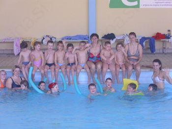 Plavalno opismenjevanje za predšolske otroke kot razvedrilo in učenje