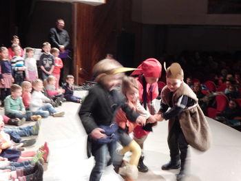 Otroci Vrtca Nazarje zažareli na odru velike dvorane Doma kulture Nazarje