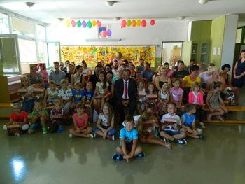 Župan že prvi šolski dan delil petke