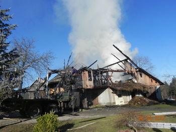 Humanitarna pomoč za nadomestitev pogorelega objekta