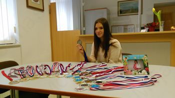 Eva Mlakar – zlata tekmovalka svetovnega pokala v twirlingu