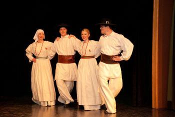 Že 9. Folklorni večer v Stični