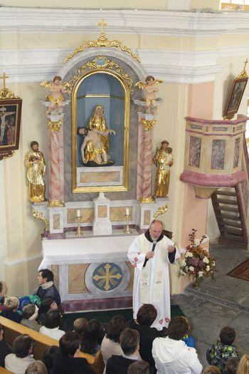 Blagoslovitev obnovljene podružnične cerkve v Gabrju