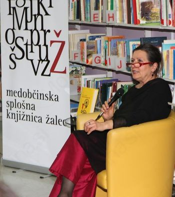 Predstavitev knjige Zablode postsocializma Vesne Vuk Godina v Medobčinski splošni knjižnici Žalec