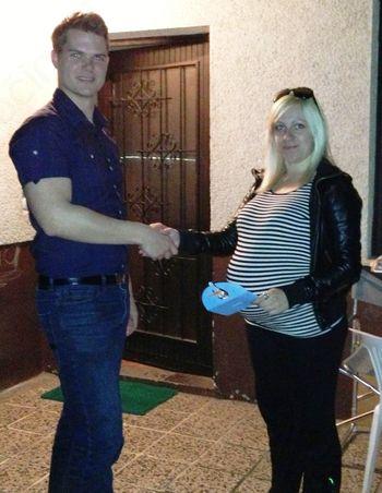 Študentki klub GROŠ podelil 100€ študentskim družinam