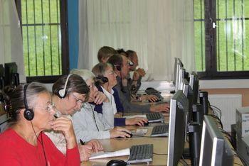Mladi smo učili starejše računalništva