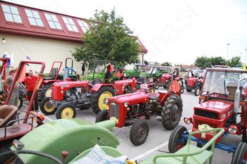 2. srečanje oldtimerjev traktorjev