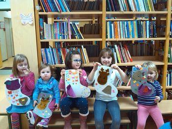 Pravljična urica v Knjižnici Dvor -  Hanina božična želja