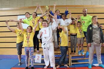 Judo klub Komenda skupno osvojili pokal