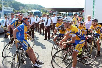 Kakšnih 200 kolesarjev iz Šentilja v Gornjo Radgono
