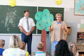 Župan s prvošolčki preživel prvi šolski dan