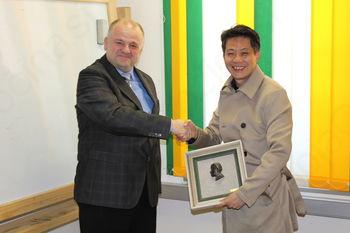 Sodelovanje s Kitajsko se nadaljuje