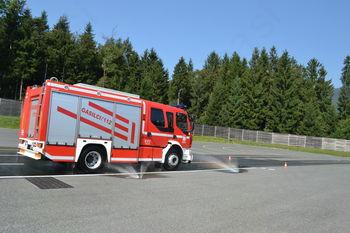 Tečaj varne vožnje z gasilskimi vozili na Vranskem