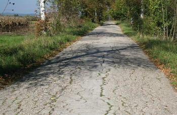 Poziv kmetom in lastnikom kmetijskih zemljišč ob javnih cestah