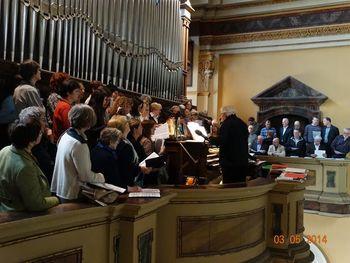 Pevski zbor Sveti Anton prepeval pri maši zadušnici za usmrčene puntarje