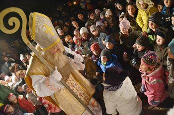 Miklavž obiskal najmlajše na Sveti Trojici
