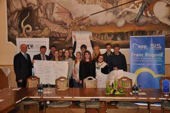 Projekt Najdi pot v lokalno skupnost - Mladi odločevalci v Občini Slovenske Konjice kot model dobre prakse za EU