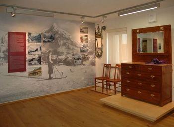 Poletni urnik Stergulčevega muzeja
