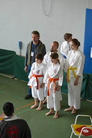Karateke iz YOSHITAKE Miren se vračajo domov z medaljami