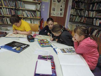 Tretješolci sodelujemo v projektu NAŠA MALA KNJIŽNICA