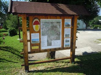 Obnova kozolcev in ureditev gozdne učne poti Ajdovček