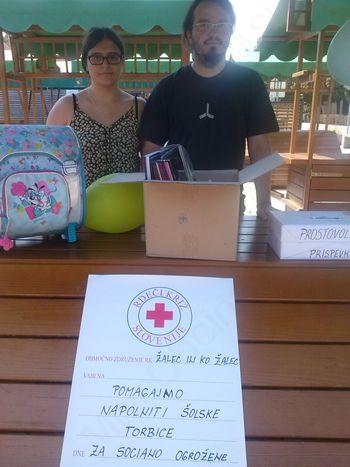 Pomagali smo napolniti šolske torbice