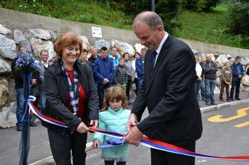 Odprtje prenovljenega dela ceste v Črnem Vrhu