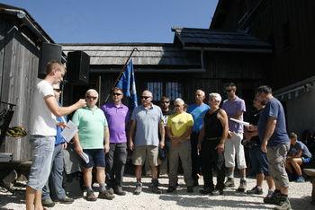 Člani moškega pevskega zbora Janko Kersnik zapeli na Mali planini