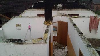 Požar na stanovanjski hiši na Občinah