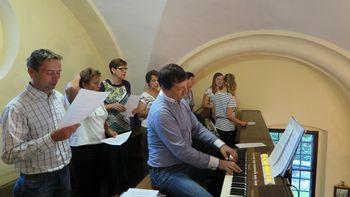 Blagoslov obnovljene cerkve v Podsmreki