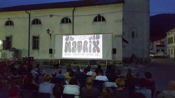 Kino na kobariškem placu