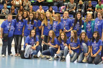 Dekletom podelili medalje
