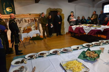 Nagrada za najboljšo salamo v roke Primorcu