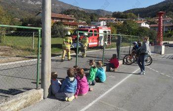 Mladi gasilci na obisku v Vrhpolju