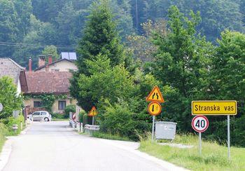 Kanalizacija in cestna ureditev v Stranski vasi