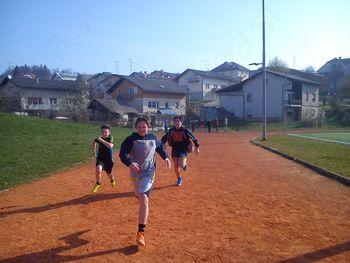 Na najmnožičnejšem teku otrok – teku na 100 m – sodelovali tudi učenci OŠ Trebnje