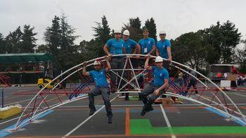 David Dobrotinšek z ekipo na tekmovanju izgradnje jeklenega mostu osvojil drugo mesto