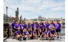 ...in skupinska fotografija v spomin na zlato Prago.