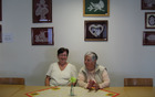 Dragica Markič in Slavka Lapanja, avtorici klekljanih čipk (foto: Danila Schillling)