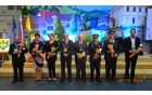 Skupinski posnetek letošnjih dobitnikov občinskih priznanj  v družbi župana