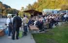Številni obiskovalci so uživali ob pevskih in plesnih nastopih (foto: Nevenka Flajs)