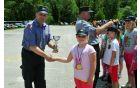 Pokal za najmlajše. Foto: Borut Jurca